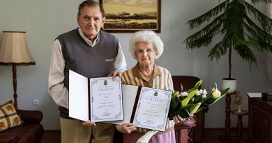 Köszöntjük a szépkorú Szikora-házaspárt és Cselényi Jánosnét