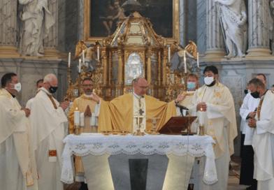 Diakónusokat szenteltek fel Vácon, 55. papi jubileumát ünnepelte Beer Miklós