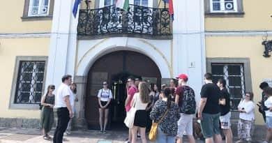 Erdélyi, vajdasági és váci iskolások érkeztek a városházára