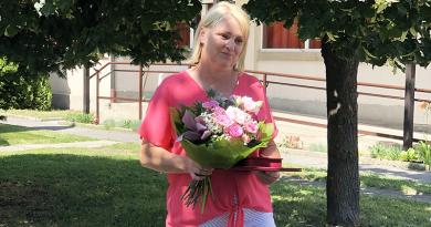 """Szlávikné Szegner Rita kapta az idei """"Fogyatékossággal Élő Váci Emberekért"""" díjat"""