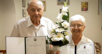 90. születésnapjuk alkalmából köszöntötték Marika és Magdi nénit