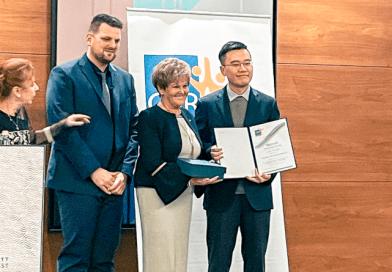 CSR Hungary díjazott a Samsung SDI babaverzuma