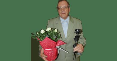 Baharev Ali vasrózsát kapott a Virágos Vác díjkiosztóján