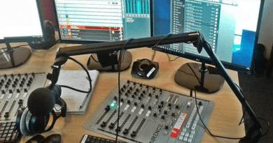 Megbüntették a TV2-őt és a Dunakanyar FM-et