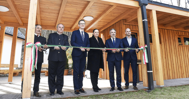 Új épületet avattak a Királyréti Kirándulóközpontban