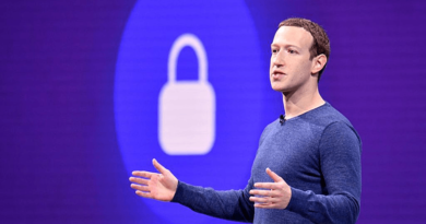 Facebook: gombnyomásra törölhetjük a nyomainkat