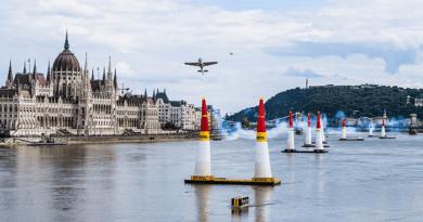 Red bull Air Race: nem a Dunakanyar lett a befutó