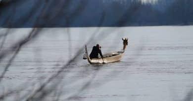 Januárban 200 kilométert evez a folyón a Dunai Sárkány