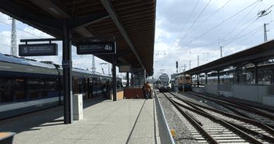 Újabb átépítésre hirdettek tendergyőztest a váci vasútállomás esetében