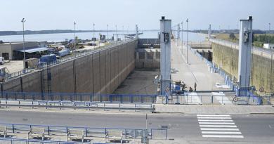 Vízlépcső Nagymarosnál: éjszakai hajózási tilalom van