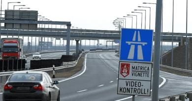 Felhajtott az autópályára és azonnal szembe fordult a forgalommal (videó)