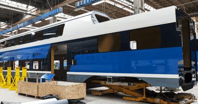 Most indul az emeletes vasúti kocsik összeszerelése