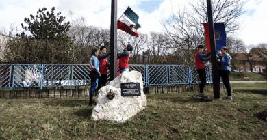 Szezonnyitó evezős Duna-koszorúzás és zászlófelvonás