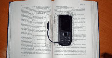 Fifikás ötletek a börtönökben: Gazdálkodj okosan társasjátékban rejtőztek a mobilok