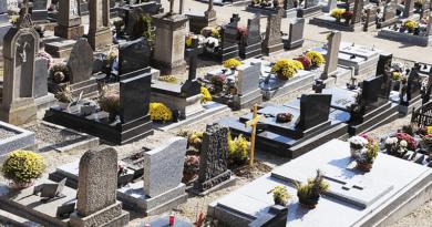 Újra adnak vizet az önkormányzati csapok az alsóvárosi temetőben