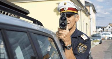 Taktikát vált a rendőrség: már lesből is traffipaxoznak