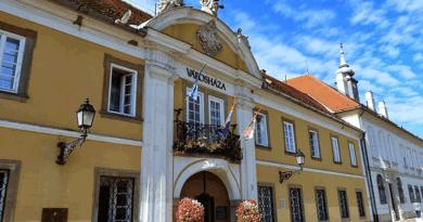 Kitüntetésre vár javaslatot a polgároktól a városháza
